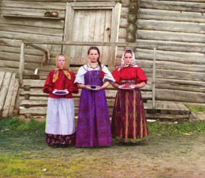 Молодые русские крестьянки недалеко от реки Шексна. 1909 Прокудин-Горский