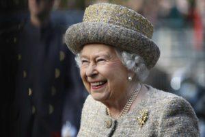 королева англии елизавета 2